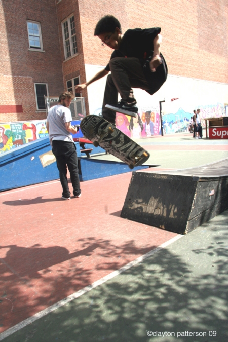 skateboarding Harold Hunter Memorial L.E.S.